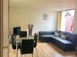 Brick Lane 2B apartment in Tower Hamlets with WiFi & lift.
