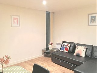 Brick Lane 1B apartment in Tower Hamlets with WiFi & lift.