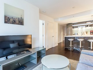 Ultramodern Sleek & Chic 1BR bright * ❤ Dwtwn!
