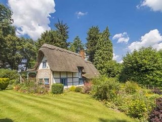 400 year old Listed Thatched English Cottage