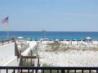 Island Winds West 177: 1br/1ba Condo w/Gulf Front View of the beach, sleeps 4