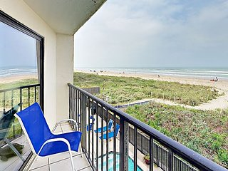 2BR Oceanfront Condo w/ Balcony, Pool & Hot Tub—Direct Beach Access