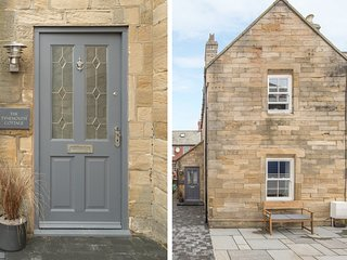 THE TYNEMOUTH COTTAGE, sea views, centre of Tynemouth, delightful patio, Ref 969