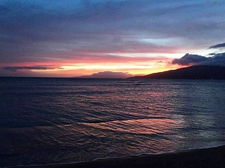 Maui Sunset 401B  Remodeled w/ full kitchen and partial ocean view.