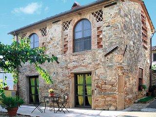 2 bedroom Villa in Pieve di Compito, Tuscany, Italy : ref 5447243