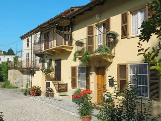 2 bedroom Villa in San Marzanotto Piana, Piedmont, Italy : ref 5443117