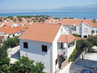 2 bedroom Apartment in Supetar, Splitsko-Dalmatinska Županija, Croatia : ref 543