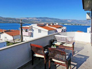 2 bedroom Apartment in Trogir, Splitsko-Dalmatinska Zupanija, Croatia : ref 5437