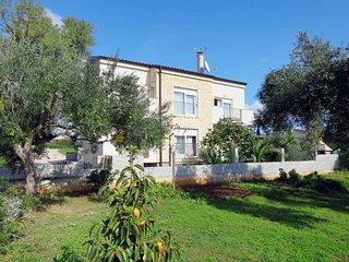 1 bedroom Apartment in Sv. Filipi i Jakov, Zadarska Zupanija, Croatia : ref 5479