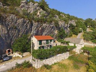3 bedroom Villa in Omis, Splitsko-Dalmatinska Zupanija, Croatia : ref 5437243
