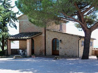 2 bedroom Apartment in Volterra, Tuscany, Italy : ref 5446582