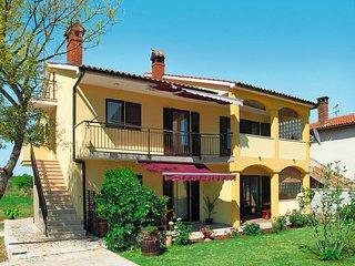 2 bedroom Apartment in Peroj, Istarska Županija, Croatia : ref 5439499