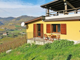 2 bedroom Apartment in Chiesalunga, Piedmont, Italy : ref 5443286