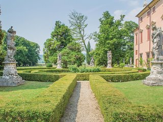 2 bedroom Villa in Castelgomberto, Veneto, Italy : ref 5647763