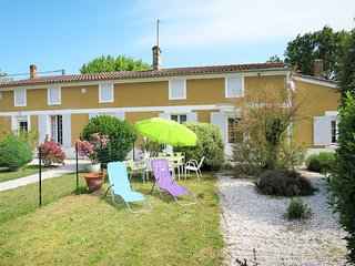 2 bedroom Villa in Lesparre-Medoc, Nouvelle-Aquitaine, France : ref 5479251