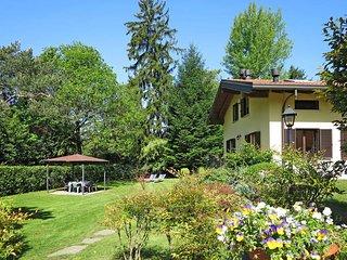 2 bedroom Apartment in Laveno-Mombello, Lombardy, Italy : ref 5440916