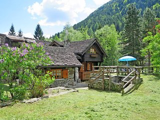 3 bedroom Villa in Macugnaga, Piedmont, Italy : ref 5440922