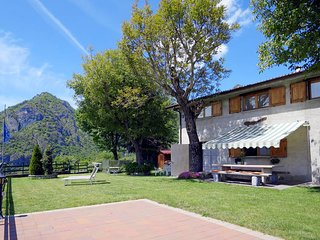 3 bedroom Villa in Corrido, Lombardy, Italy : ref 5441082