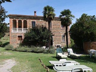 4 bedroom Villa in Scrofiano, Tuscany, Italy : ref 5446334