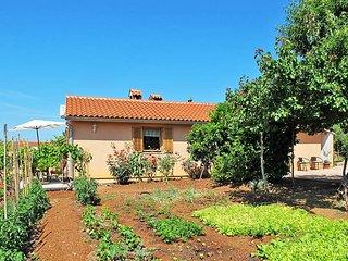 1 bedroom Villa in Pula, Istarska Zupanija, Croatia : ref 5439448