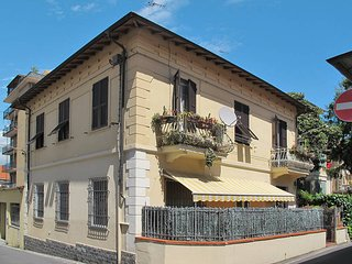 2 bedroom Apartment in Imperia, Liguria, Italy : ref 5444069