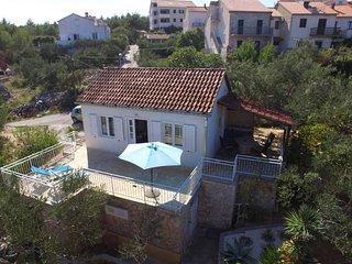 2 bedroom Villa in Supetar, Splitsko-Dalmatinska Zupanija, Croatia : ref 5437165