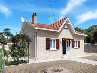 3 bedroom Villa in Le Verdon-sur-Mer, Nouvelle-Aquitaine, France : ref 5435071