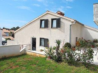2 bedroom Villa in Porec, Istarska Zupanija, Croatia : ref 5439384