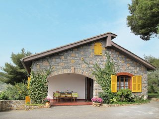 2 bedroom Villa in Cisano sul Neva, Liguria, Italy : ref 5445097
