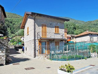2 bedroom Villa in Masina, Lombardy, Italy : ref 5436929