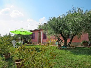 2 bedroom Apartment in Certaldo, Tuscany, Italy : ref 5446640