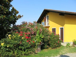 2 bedroom Apartment in Noche, Piedmont, Italy : ref 5443308