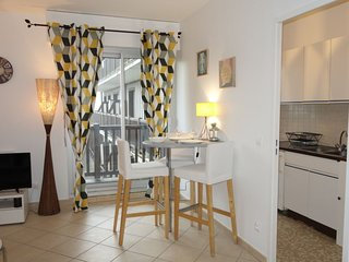 1 bedroom Apartment in Trouville-sur-Mer, Normandy, France : ref 5424952