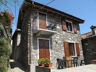 1 bedroom Villa in Pianello del Lario, Lombardy, Italy : ref 5436909