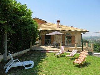 2 bedroom Villa in Piccianello, Abruzzo, Italy : ref 5604449