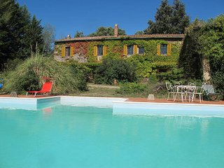 2 bedroom Apartment in Chiusdino, Tuscany, Italy : ref 5472854