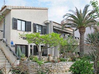 2 bedroom Apartment in Pjescana uvala, , Croatia : ref 5439495