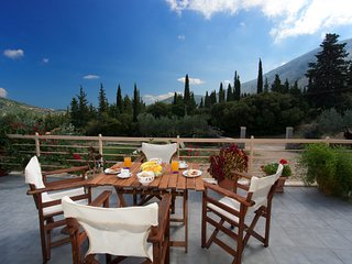 * Spacious villa near Agia Efimia & Myrtos beach*