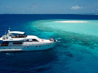 Luxury world class Falcone60 brand yacht with 3 rooms with bath rooms