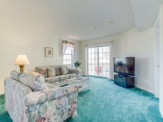 Spacious Condo, across the street from the beach, overlooking the inlet