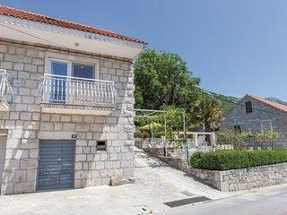 Vacation house near Omis (in Cisla)