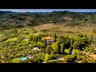 WONDERFUL 8BR-9BA VILLA WITH POOL, IN GREAT LOCATION JUST MINUTES TO FLORENCE!