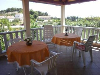 Apartment Isidora - Three Bedroom Apartment with Terrace and Garden View