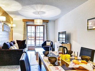 Feel at Home in the Alps! Spacious + Rustic Mountain Apartment