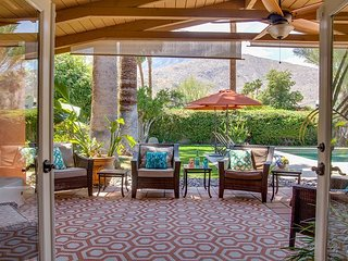 The Arbor at Deepwell Estates - Palm Springs! Walk to Palm Canyon Drive