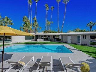 Deepwell Modern - Very Private Pool Yard!