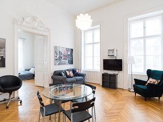 Spacious apt in Budapest center w/ 3 bedrooms