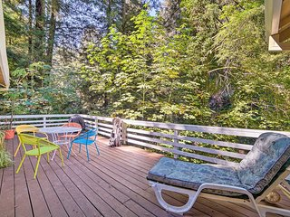 Riverfront Cottage in Redwoods w/ Beach