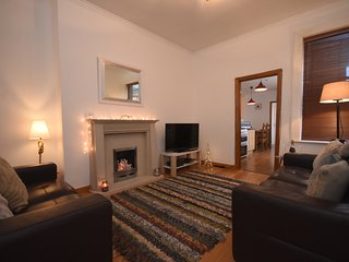 Beautifully Presented & Homely 3 Bed Apt; Metro 5min & Beach 25min Walk