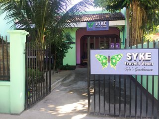 SYKE's Family Room (Aircon | Private CR)